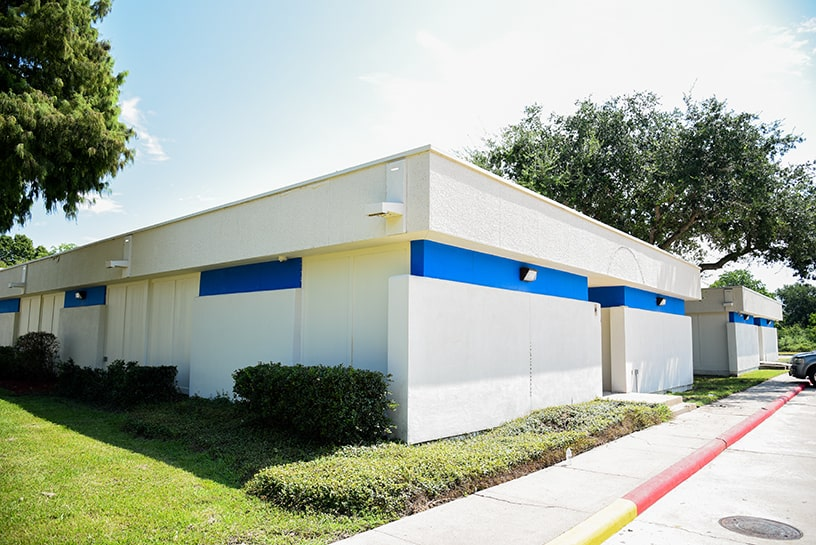 alvin right move storage building exterior