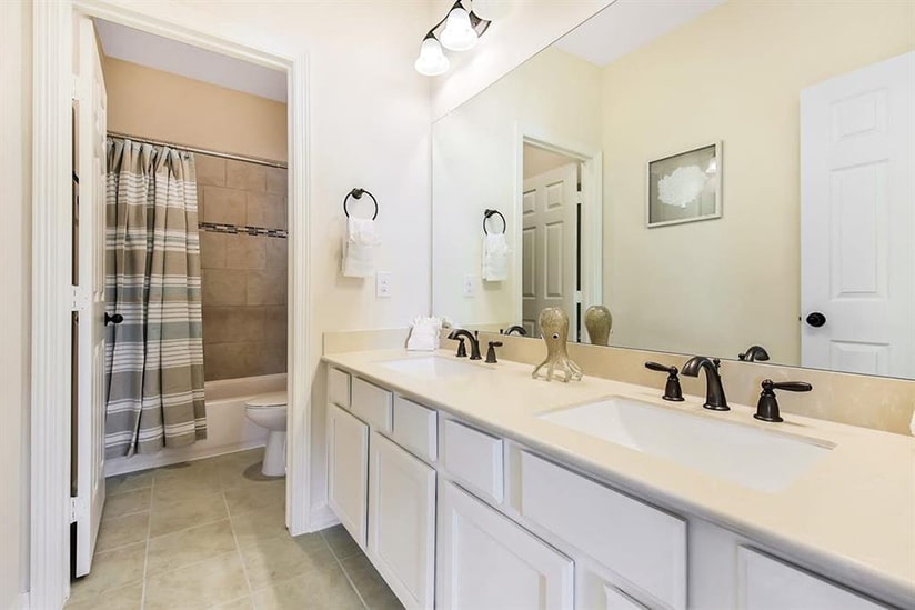galveston bay house bathroom