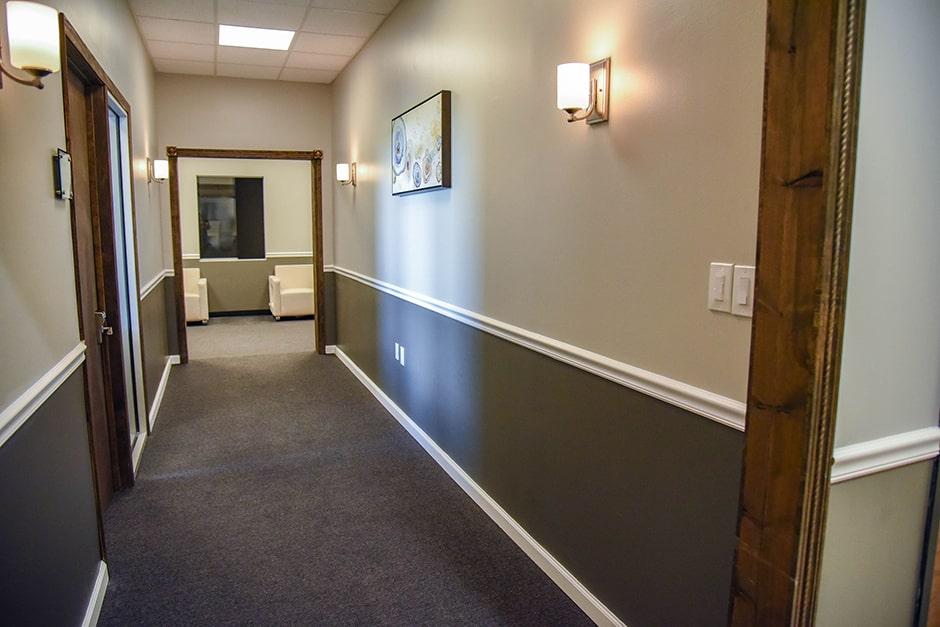 mainland city suites hallway
