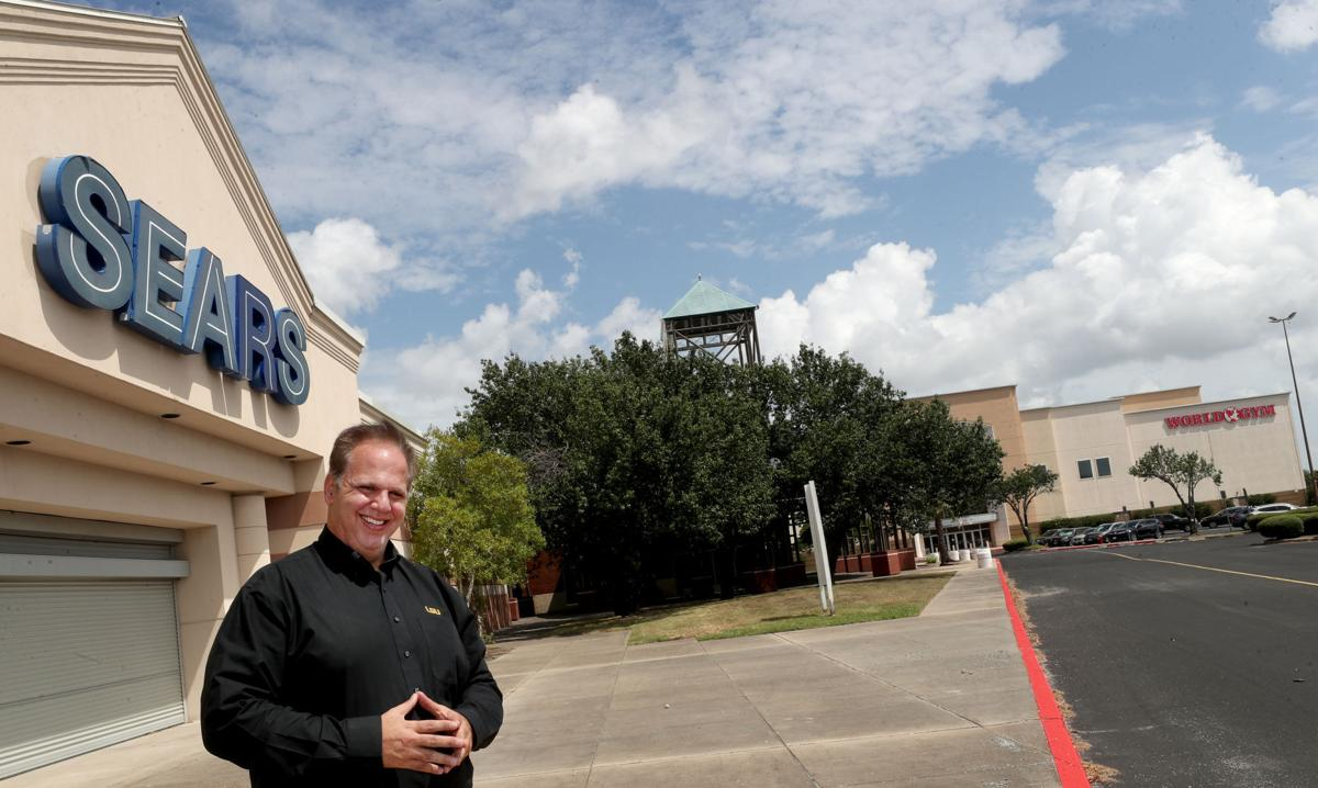 Developer buys vacant Sears building in Texas City, secures more restaurant tenants at former mall